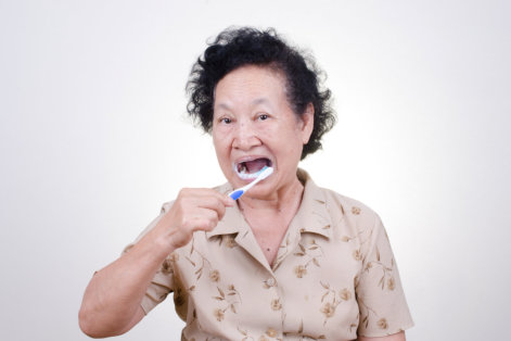Dental Care Tips: How to Assist Seniors with Dementia