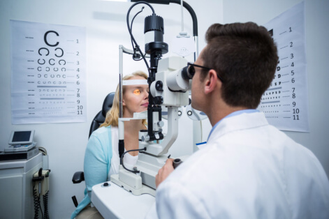Ways to Lower the Risk of Age-Related Macular Degeneration