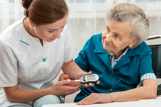 living-with-diabetes-a-home-health-aide-can-help
